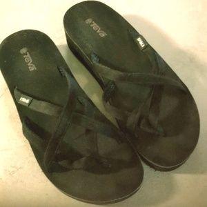 Teva Sandals Flip Flops Size 8